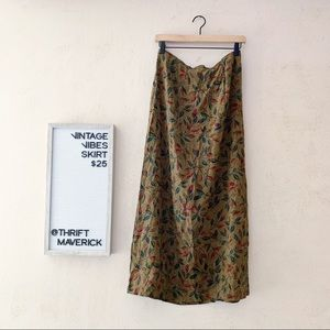 100% Silk Brown Leaf Print Slip Skirt  | Vintage
